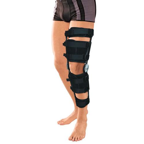 Назначения • этапное восстановительное лечение с постепенным увеличением объема движений в коленном суставе после травм, повреждений и восстановительных хирургических операций; • фиксация коленного сустава после травмы менисков; • фиксация конечности при повреждениях и разрывах боковых связок и крестообразных связок коленного сустава; • хронические, в том числе ревматические, артрозы и артриты; • хроническая нестабильность сустава (недостаточность функции связок); • реабилитация после спортивных травм.